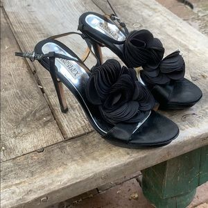 Badgley Mischka black satin flower sandal size 8.